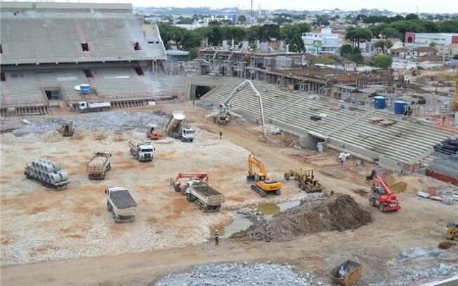 A Arena da Baixada, estádio de Curitiba para  a Copa 2014, já está 55% reformado