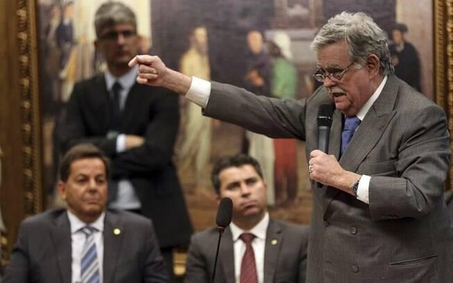 Advogado Antônio Cláudio Mariz de Oliveira negou que o presidente Michel Temer tenha recebido propina