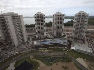 Os prédios que abrigarão a Vila Olímpica no Rio e, depois, serão comercializados.