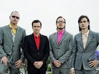 Weezer. Grupo norte-americano vai lançar mil fitas cassetes do novo álbum para os fãs