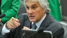 Conselho de Ética aprova parecer favorável à cassação de Delcídio