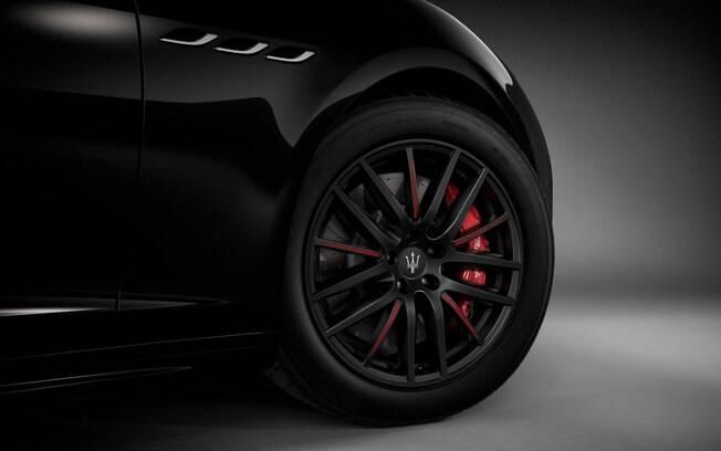 Maserati Ghibli RIbelle traz rodas exclusivas aro 19 como um dos maiores destaques no exterior