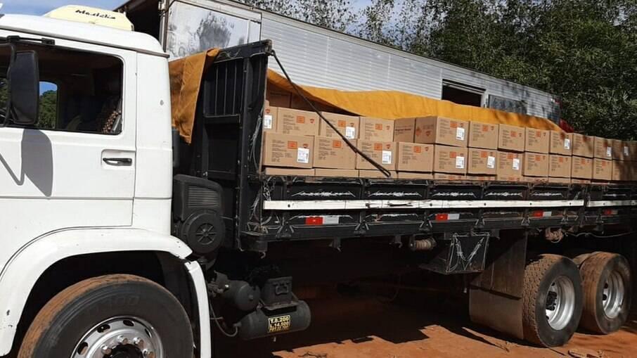 Polícia Rodoviária Federal apreende quase 9 toneladas de explosivos na BR-153, em Aparecida de Goiânia (GO)