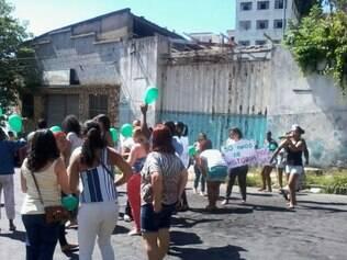 Comunidade se mobiliza para protestar contra fechamento de escola de 30 anos de existência