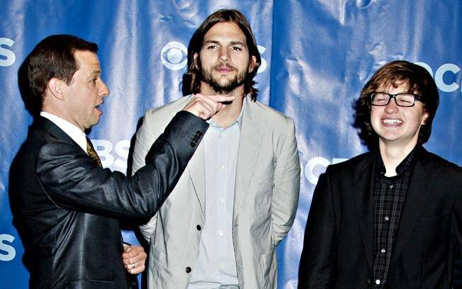 Ashton Kutcher, Jon Cryer e Angus T. Jones, o novo elenco de