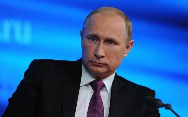 O presidente russo, Vladimir Putin, afirmou que a economia da Rússia, que enfrenta a pior crise monetária desde 1998, voltará a crescer em dois anos (novembro/2014)
