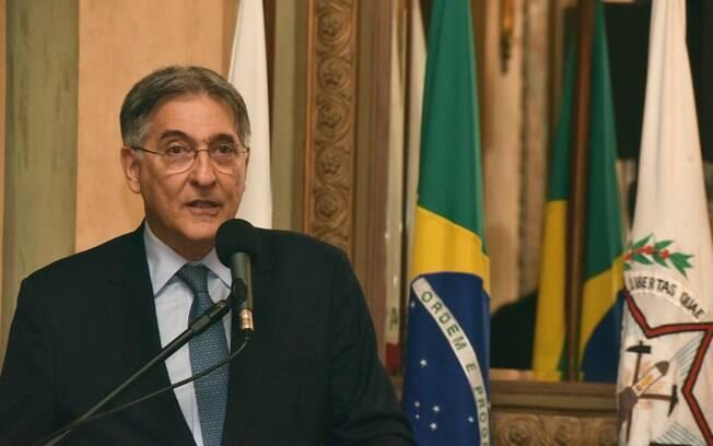 Governador de Minas Gerais, Fernando Pimentel (PT) será julgado nesta quinta-feira (30), mas não deve sair do cargo de imediato