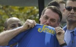 Citando bíblia, Bolsonaro fala mais uma vez sobre eleições na Argentina