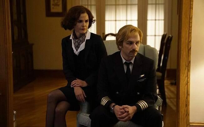 Keri Russell e Matthew Rhys em cena do último e elogiado ano de