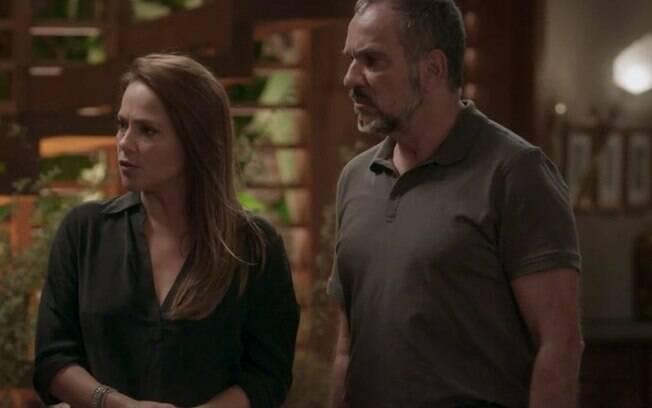 Fabinho conta para Lili e Germano que Sofia dopou família em jantar, em Totalmente Demais