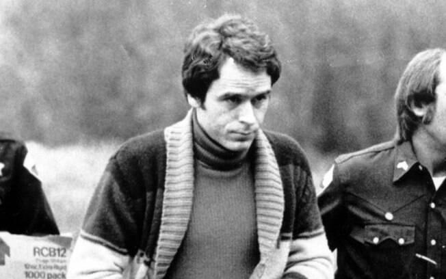 """Documentário """"Conversando com um serial killer: Ted Bundy"""""""