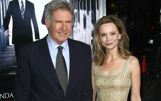 22 ANOS: Harrison Ford (70 anos) e Calista Flockhart (48). Foto: SplashNews