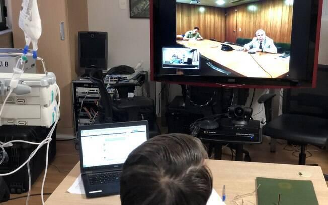 Presidente Jair Bolsonaro teve conversa por videoconferência com o ministro-chefe do GSI, general Heleno
