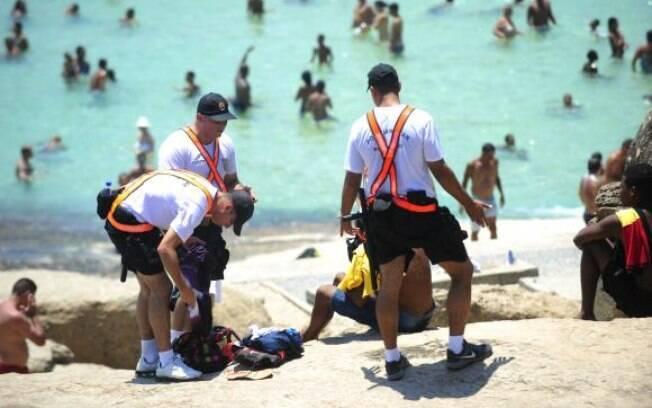 A Polícia Militar do Rio reforçou a segurança nas praias da zona sul da capital fluminense para conter novas ações violentas