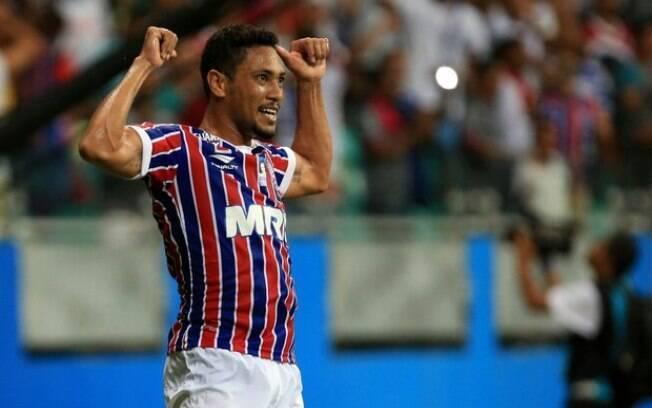 Hernane Brocador comemora gol pelo Bahia