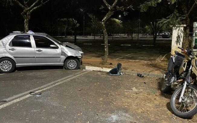 Motorista perde controle e atropela vigias em estacionamento da PUC-Campinas