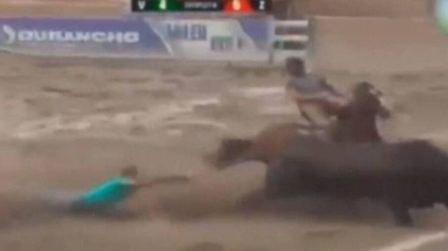 Vaqueiro alagoano foi pisoteado durante uma competição