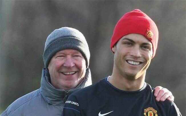 Cristiano Ronaldo e Alex Ferguson quando o jogador português ainda atuava pelo Manchester United