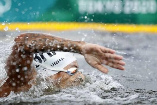 Ana Marcela conquista ouro na maratona aquática em Tóquio