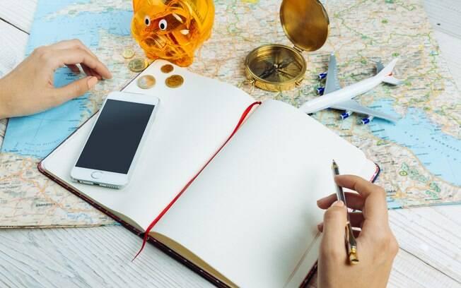 Fazer uma lista dos desejos é uma ótima dica para não se descontrolar duram as compras na viagem