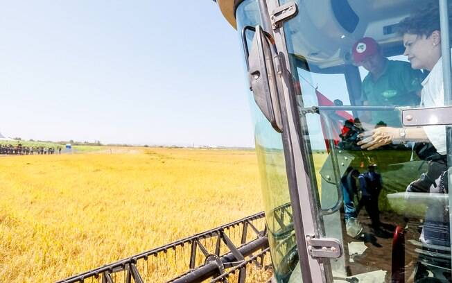 Em encontro com agricultores no RS, Dilma mandou um recado para a oposição