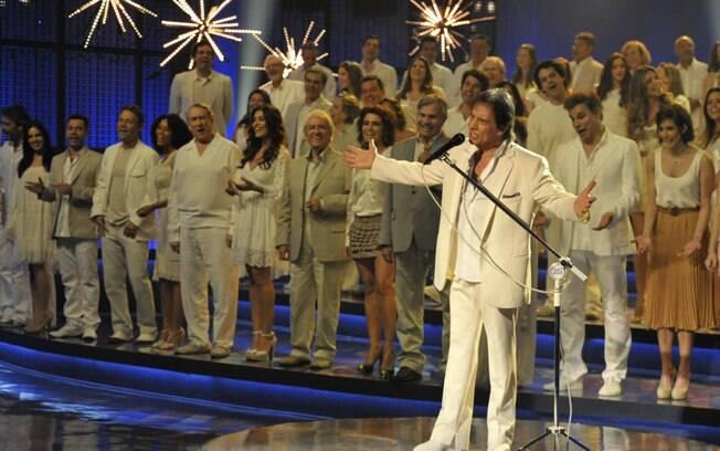 Roberto Carlos canta