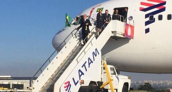 Tocha olímpica chega ao Brasil para revezamento