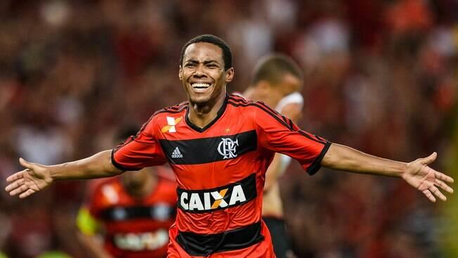 Flamengo estabelece limite em negociação com Elias