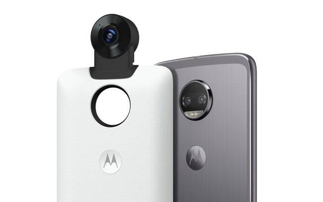 Moto Snap conta com duas lentes de 150 graus e áudio 3D imersivo; acessório será vendido por US$ 299 nos EUA