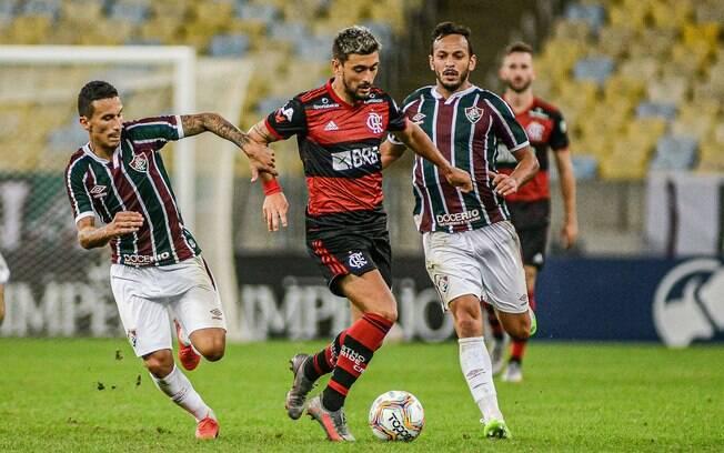 Flamengo e Fluminense decidem o título estadual nesta quarta-feira (15)