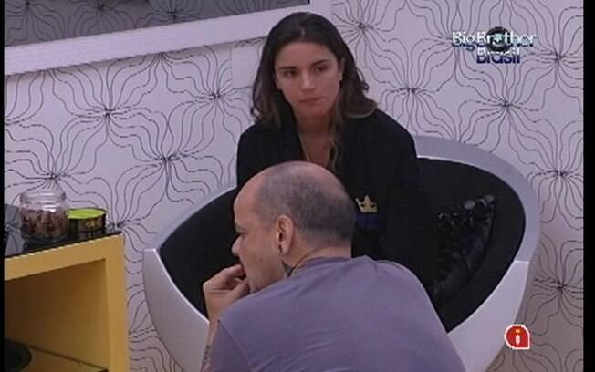 Laisa e João Carvalho conversam com a próxima berlinda