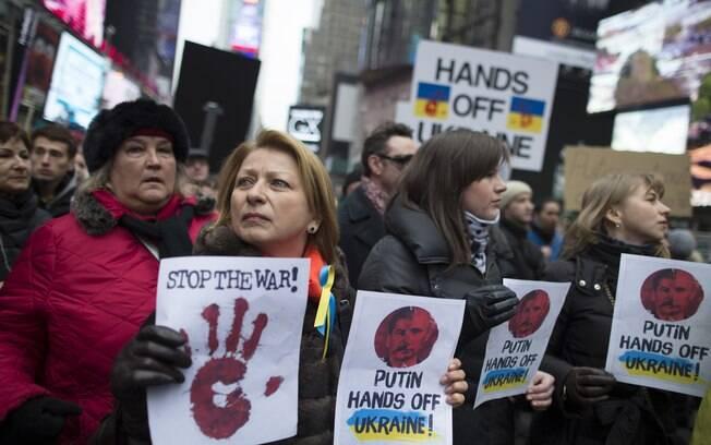 EUA cogitam sanções se Rússia não recuar tropas; Kerry viajará à Ucrânia