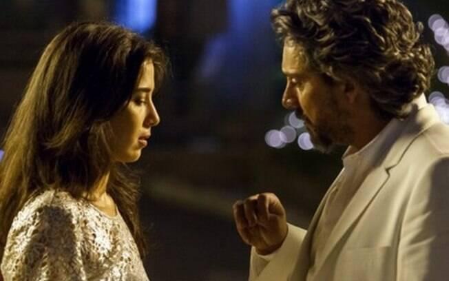 "Império – José Alfredo surge vivo na frente de Cora e finge ser fantasma para aterrorizá-la: ""Sou uma sombra"""