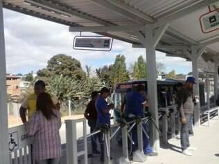 Para os usuários o número de ônibus é insuficiente para atender a população