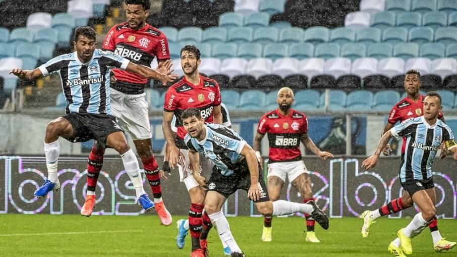 Grêmio é goleado pelo Flamengo em casa