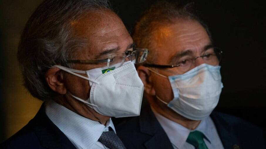 O ministro da Economia, Paulo Guedes, e o ministro da Saúde, Marcelo Queiroga