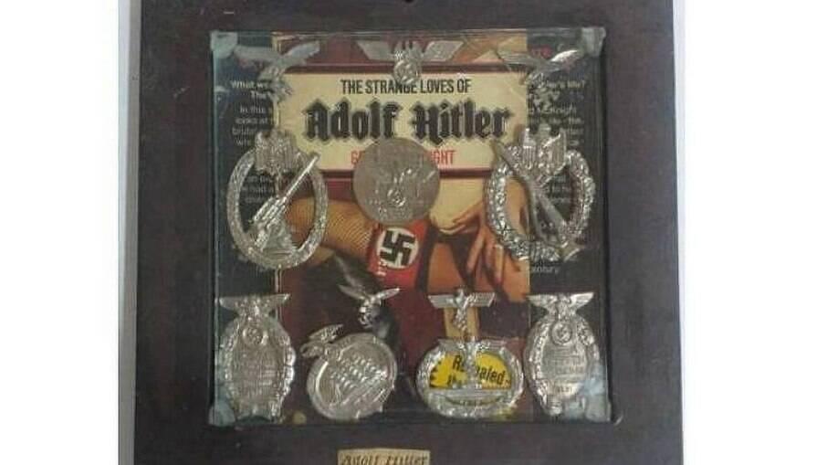 A obra com símbolos nazistas que seria leiloada virtualmente