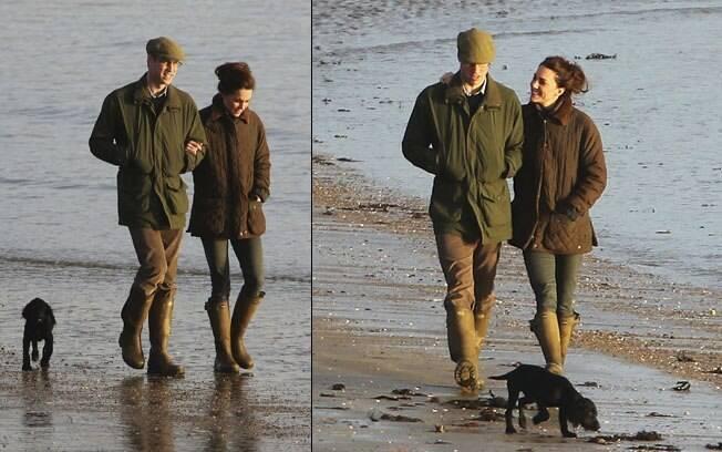 William e Kate passeiam pela praia na companhia do um filhotinho