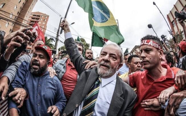 A decisão de Sérgio Moro, que condenou o ex-presidente Lula a quase 10 anos de prisão, movimentou as redes sociais