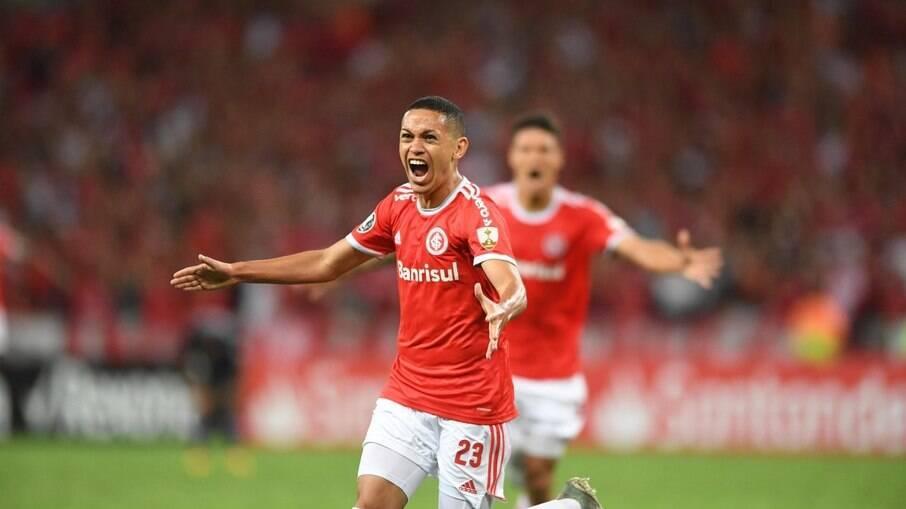 Marcos Guilherme é o novo reforço do Santos