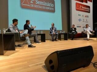 Mediado pelo jornalista Marcelo Barreto,  do SporTV, debate reuniu importantes nomes do esporte olímpico brasileiro