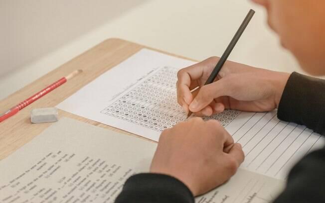 A partir de 2017, apenas o Encceja poderá ser utilizado para obter a certificação do ensino médio
