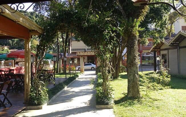 Entrada para a Pousada do Grilo, que fica localizada perto do centro comercial de Santo Antônio do Pinhal