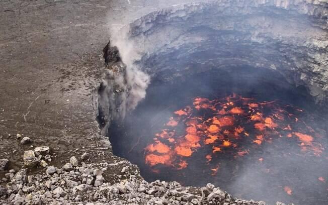 Adormecido atualmente, vulcão entrou em erupção pela última vez há quatro meses e deixou um rastro de destruição