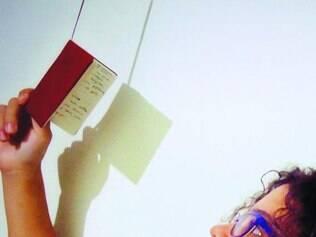 Poeta vasculhou cadernos atrás de seus poemas mais antigos