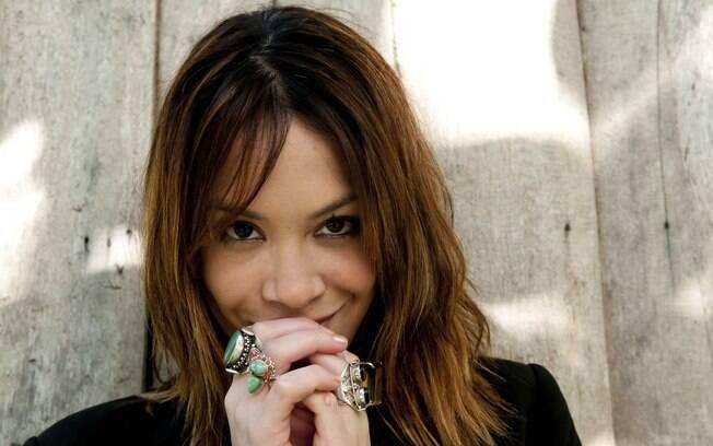 Júlia Almeida está no ar como a Lorena da novela das seis