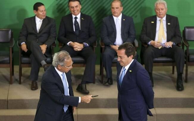 O novo presidente da Caixa disse que tem compromisso com o ministro da Economia, Paulo Guedes, de quitar dívida do banco público