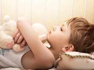 Depressão na infância: fator aumenta chance do aparecimento de dores crônicas mais tarde