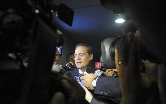 Presidente do Senado, Renan Calheiros concede entrevista (20/05)