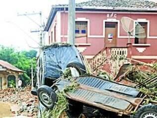Enchente castigou Guidoval, na Zona da Mata, no ano de 2012